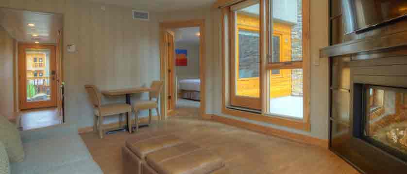canada_banff_moose-hotel-suites_interior.jpg